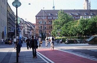 Cycling in Munich - Bike path in central Munich