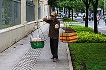 Vendedor de cocos, Ciudad Ho Chi Minh, Vietnam, 2013-08-14, DD 01.JPG