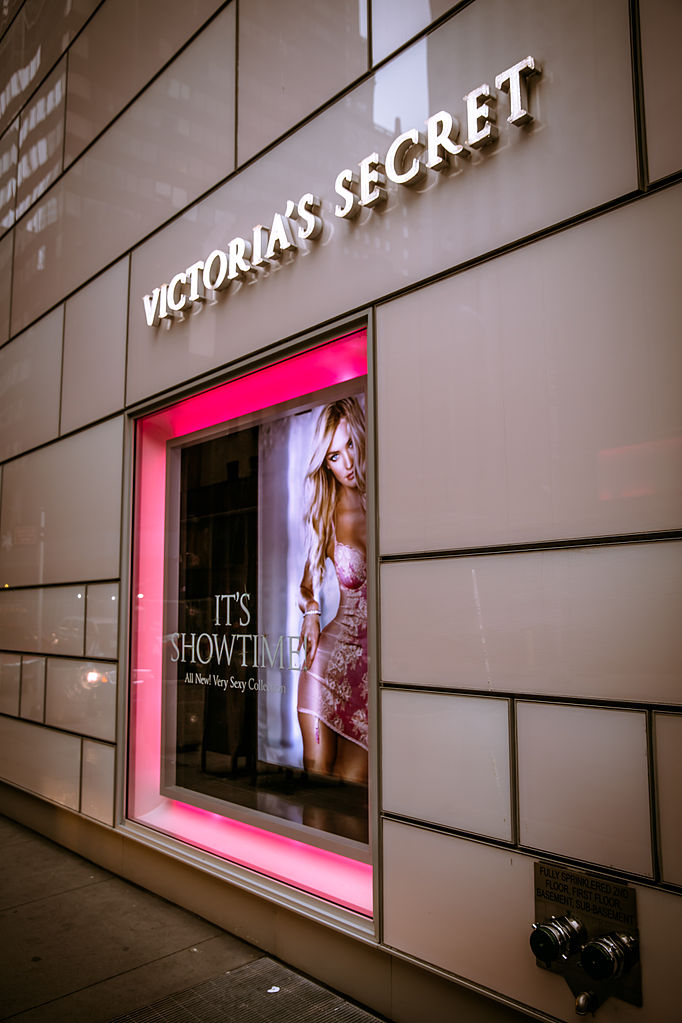 Find out all Victoria's Secret outlet stores in 39 state(s). Get store locations, business hours, phone numbers and more. Save money on Dresses, Shoes, Swimwear, Bras, Panties and Beauty/5(92).