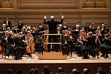 Vienna Philharmonic Orchestra, Carnegie Hall, conducted by Michael Tilson Thomas (47258679582).jpg