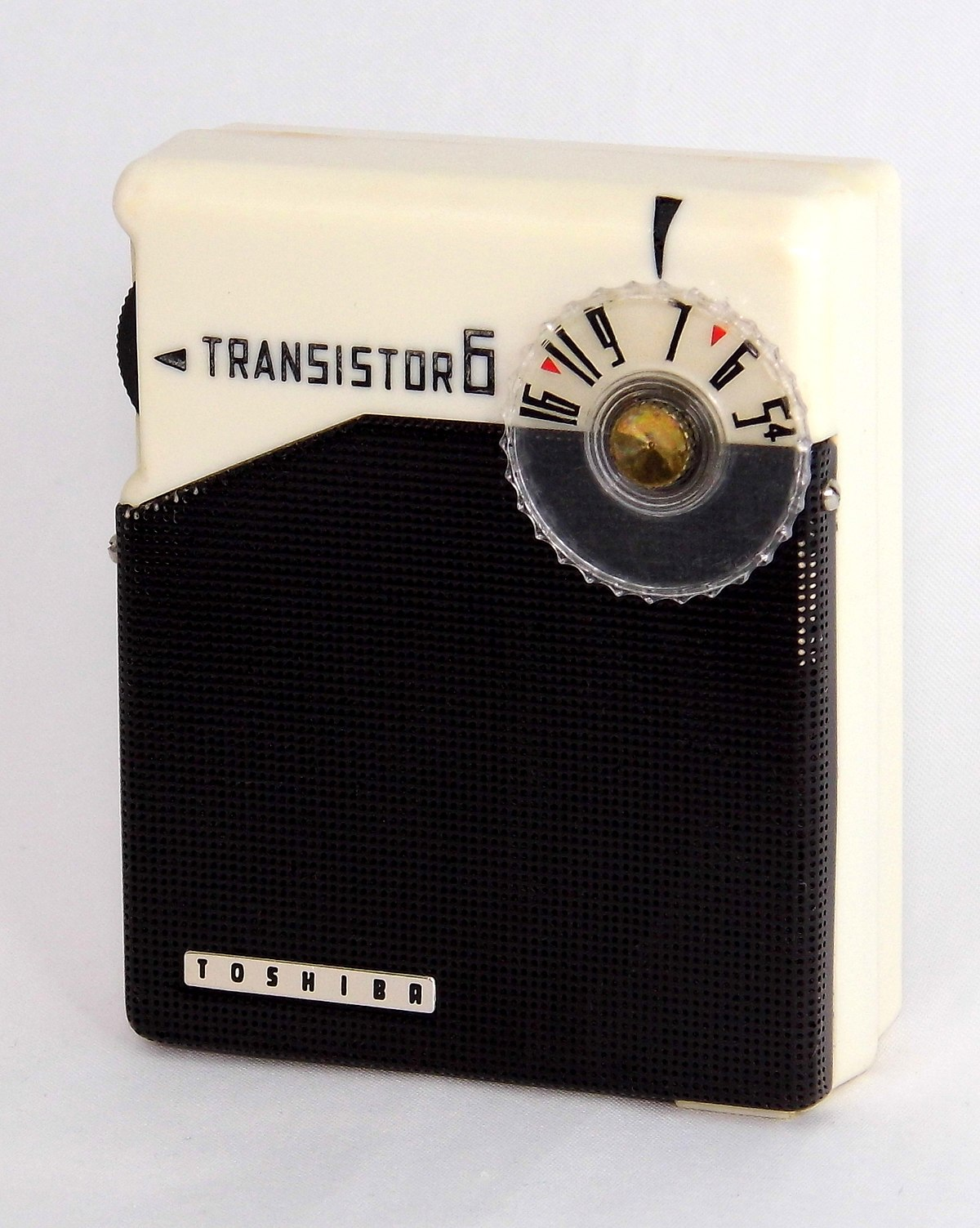 File:Vintage Toshiba Transistor Radio, Model 6TP-357 ...