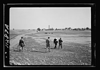 Visit to Beersheba Agricultural Station (Experimental) by Brig. Gen. Allen & staff & talks to Bedouin sheiks of district by station superintendent. Field of Australian wheat - experiment - LOC matpc.20538.jpg