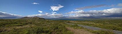 Vista del lago Þingvallavatn, Parque Nacional de Þingvellir, Suðurland, Islandia, 2014-08-16, DD 064-065 PAN.JPG