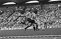 Wereldkampioenschap voetbal 1974 Nederland tegen Uruguay 2-0 Cruijff (links) o, Bestanddeelnr 927-2581.jpg