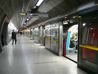 Waterloo tube station - Jubilee line platforms