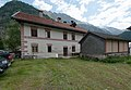 Wiki_takes_Nordtiroler_Oberland_20150604_Kirchplatz_Huben_6070.jpg