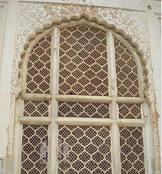 Bibi Ka Maqbara - Image: Window architecture Bibi Ka Maqbara Aurangabad