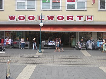 English: Woolworth department store in Kassel
