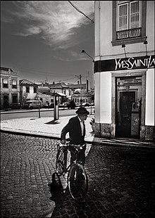 Boutique YSL au Portugal par Christophe Moustier
