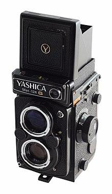Yashica mat 124G - WLF ouvert.jpg