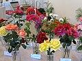 Zámek Veltrusy. Soutěžní výstava růží 2012 7.JPG