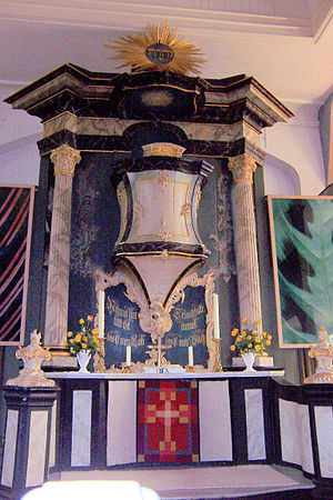 Worpswede - Church of Zion: Typical Protestant Kanzelaltar, topped by the Tetragrammaton of God's Hebrew name ''יהוה''.