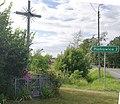 Znak Piotrowice i krzyż.jpg
