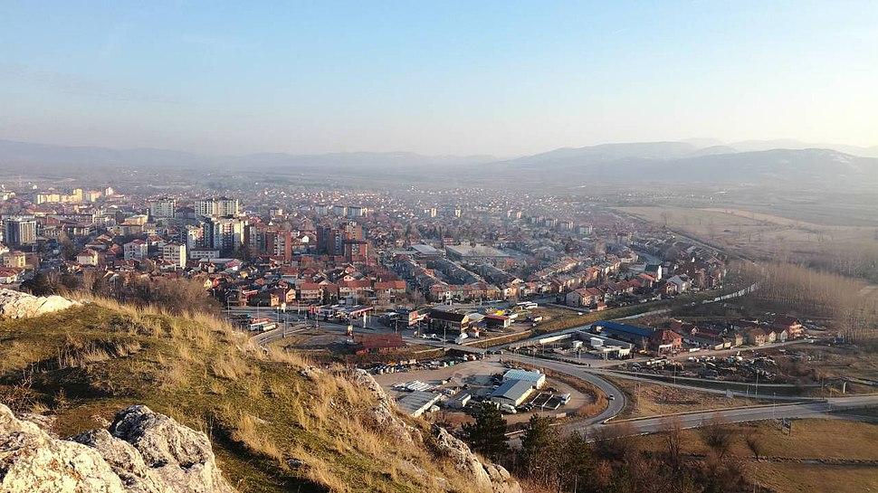 Пирот, поглед са оближњег брда Сарлах