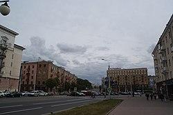 Скрыжаванне вуліц Казлова і Бядулі, плошча Бядулі. Мінск 01.JPG