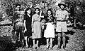046 1942 - L to R, local spray assistant Joe with dau Joshine, wife Marie, dau Mary ^ Tom's mate Reg i.jpg