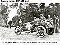1903-07-04-Marcel-Renault-en-su-coche.jpg