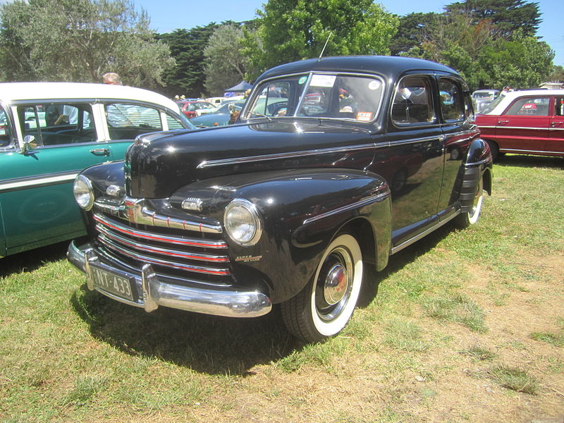 File 1946 Ford Super Deluxe Sedan Jpg Wikimedia Commons