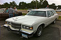 1975 Pontiac Grand Safari station wagon AACA Iowa-f.jpg