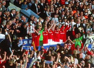 1999 FA Cup Final - Despite being substituted early in the game, Roy Keane received the FA Cup for Manchester United.