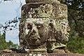 2016 Angkor, Preah Khan, Rzeźby strażników przed wejściem (04).jpg