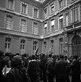 24.05.1968. Manif étudiants L. Bazerque au balcon. (1968) - 53Fi3255.jpg