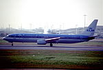 279ab - KLM Boeing 737-9K2, PH-BXO@LHR,01.03.2004 - Flickr - Aero Icarus.jpg