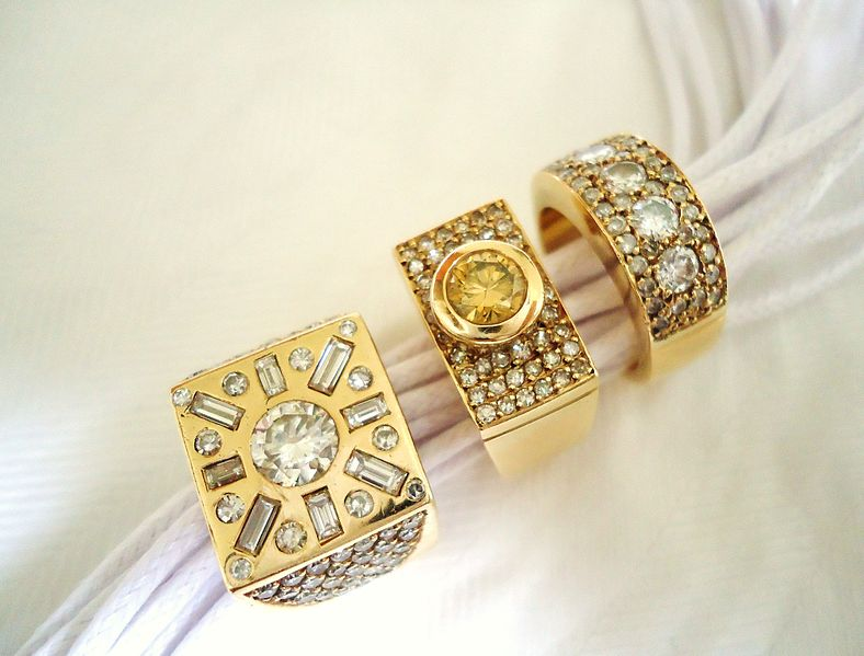 File:3 diamond rings.JPG