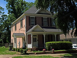 Cottage Hill Historic District - Image: 415 Martha Street May 09