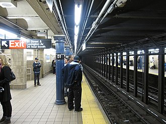Lexington Avenue/51st Street (New York City Subway) - Downtown local platform