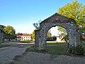 Abbaye de Marcheroux portail.JPG
