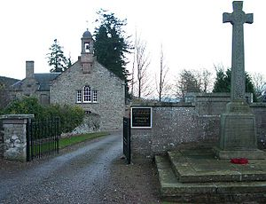 Aberdalgie - Aberdalgie Parish Church and War Memorial