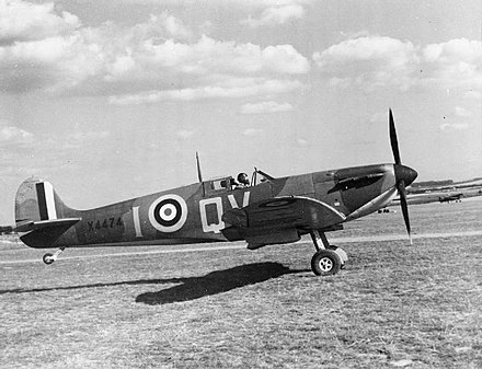X4474, a late production Mk I Spitfire of 19 Squadron, September 1940. During the battle 19 Squadron was part of the Duxford Wing Aircraft of the Royal Air Force, 1939-1945- Supermarine Spitfire. CH1451.jpg