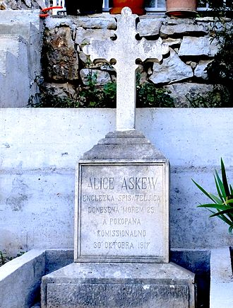 Alice and Claude Askew - Alice Askew's tombstone