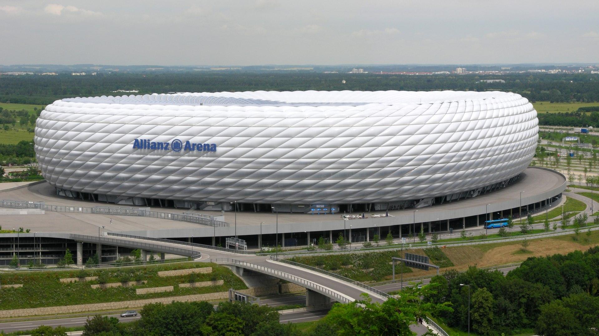 Allianz Arena — Wikipédia