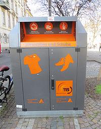 Altkleider-Container, Stadt Karlsruhe, Farbe: grau/orange