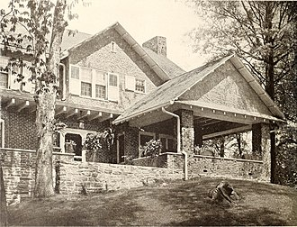 Rochelle Park (New Rochelle) - Image: American homes and gardens (1905) (18148669992)