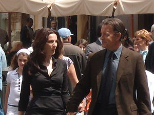 Angels & Demons (film) - Ayelet Zurer and Tom Hanks outside the Pantheon