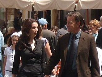 Angels & Demons (film) - Ayelet Zurer and Tom Hanks outside the Pantheon
