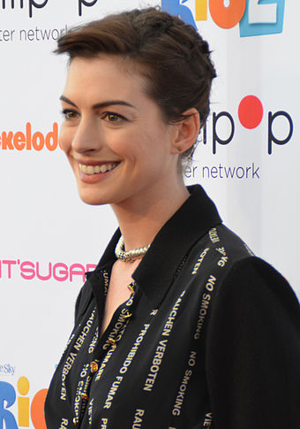 Hathaway at Rio 2's screening at Nickelodeon Studios in Burbank, California, in April 2014 Anne Hathaway 2014 (cropped).jpg