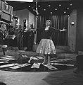 Annie Cordy repeteert in Cinetone studio . Tijdens de repetitie, Bestanddeelnr 913-0767.jpg