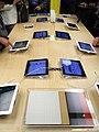 Apple Store Zürich Bahnhofstrasse - iPad3 Premiere 2012-03-16 18-55-45 (P7000).JPG