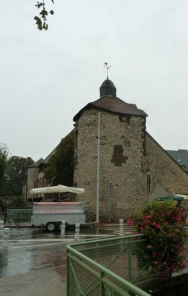Enceinte d'Aubigny-sur-Nère  Aubigny-sur-Nère|  Cher (département), France