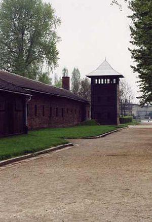 Auschwitz I Stammlager 2001 02.jpg