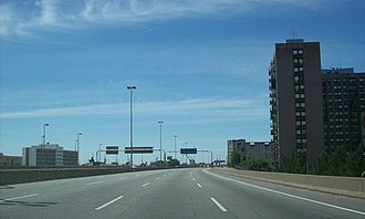 National Route 1 (Argentina) - Autopista Buenos Aires - La Plata pointing southeast in La Boca neighborhood