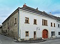 Bürgerhaus 10915 in A-2460 Bruck an der Leitha.jpg
