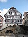 Backnang Ehemaliges-Schulhaus mit Marktbrunnen 2017 (MTheiler) 4679.JPG