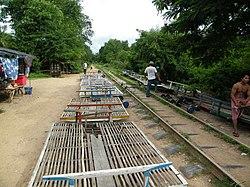 Battambang Bamboo Train-temple-cambodiandriver-kimsan driver-angkorwat-siemreap-cambodia