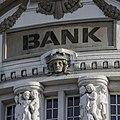 Bank-2907728 1920.jpg