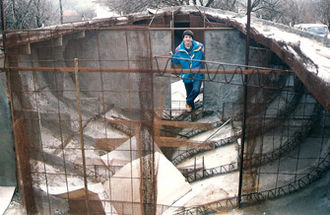 Ferrocement - Ferrocement hull under construction
